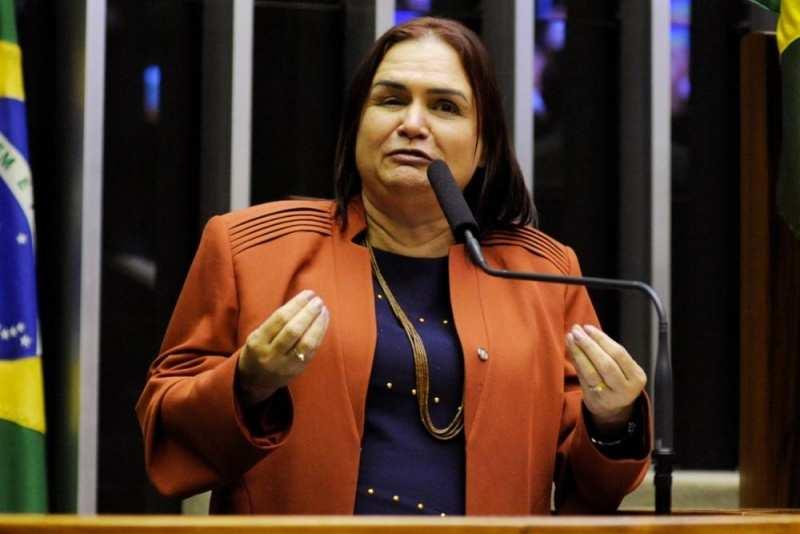 Rosa Neide esclarece emenda para Canabrava do Norte